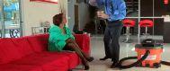 El vendedor de aspiradoras se folla a la señora