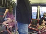 Ahí están, follando en la parte trasera del autobús !!