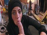 La mujer árabe se la tuvo que chupar a este militar americano