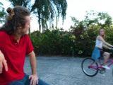 Hasta cuando monta en bici la cabrona me provoca ...